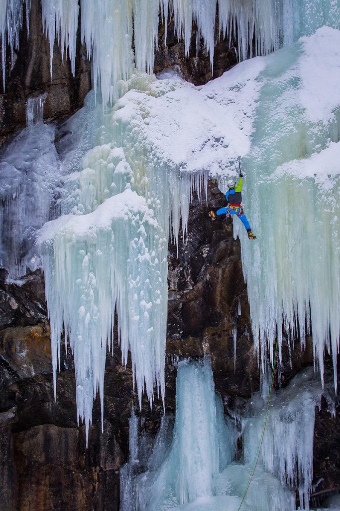 Ice curtain. Rideau de glace.