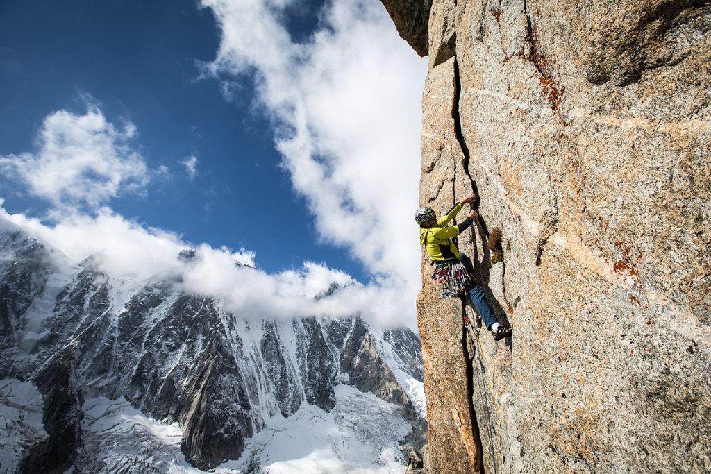 Climbing on Argentières's granite. Escalade sur le granite d'Argentière.