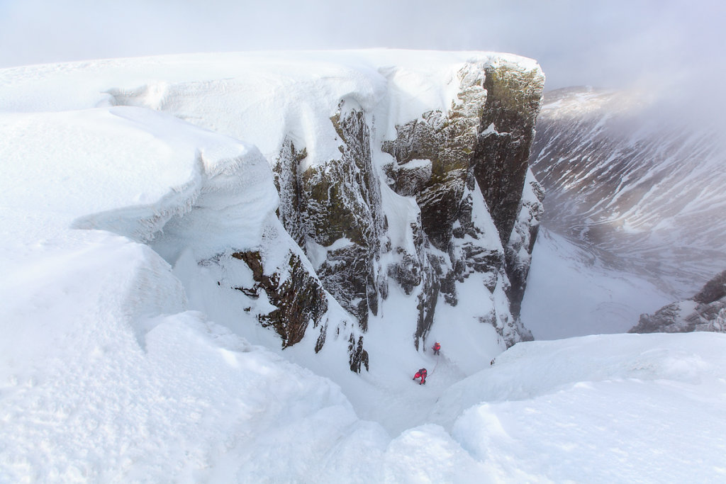 Number 3 gully buttress in Ben Nevis. Ascension d'un couloir au Ben Nevis.